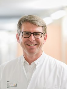 Dr. med. Douglas Scriba