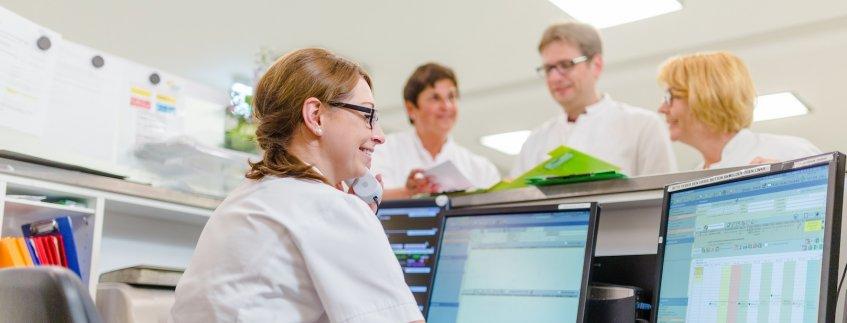 Mitarbeiter in der Notaufnahme im Pius-Hospital Oldenburg